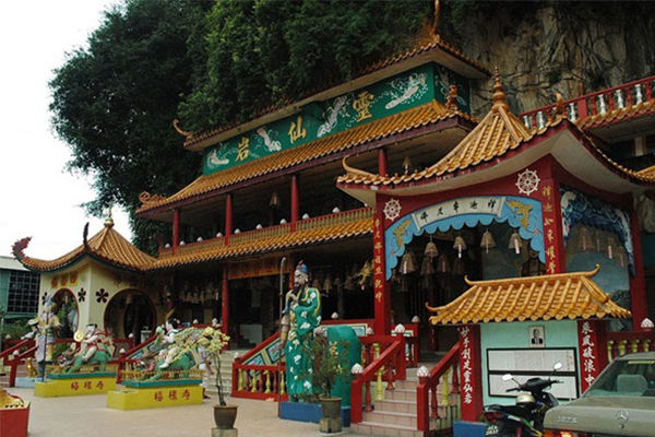 Sam-Poh-tong-Temple-2-1