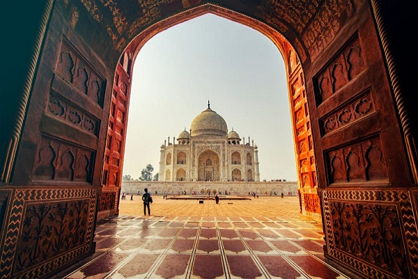 TAJ-MAHAL-AGRA-FORT-TOUR-by-Train
